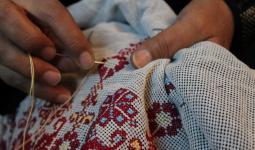 افتتاح مشغل حياكة لتعليم لاجئات البقعة مجاناً من أجل شق طريقهن