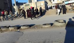 أزمة المواصلات.. إرهاق مُضاف لأهالي مخيّم خان دنون