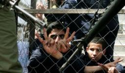 (7) أسرى يُواصلون إضرابهم عن الطعام والإداريّون يُواصلون مقاطعة محاكم الاحتلال