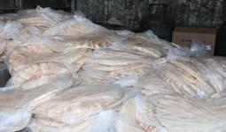 600 ربطة خبز تصل الى أهالي مخيّم درعا المحاصرين جنوب سوريا