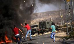 مواجهات في اقتحامات الضفة المحتلة واستهداف المستوطنين قرب مخيّم الفوّار