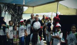 خلال زيارة رئيس دائرة شؤون اللاجئين الفلسطينيين زكريا الآغا لإحدى المخيمات الصيفية
