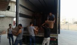 شاحنة المساعدات التي وصلت إلى مخيم خان دنون
