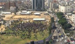 من مظاهرة موطفو السلطة بساحة السرايا في غزة