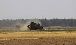 آليات الاحتلال تتوغّل شرقيّ مخيم البريج وسط قطاع غزة