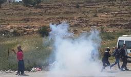 قوات الاحتلال تقمع مسيرة للصحفيين أمام سجن