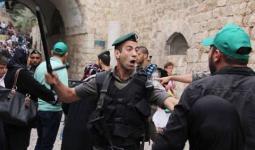 قوات الاحتلال تعتدي على حراس المسجد الأقصى وتعتقل بعضهم