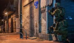 اقتحامات واعتقالات بالضفة المحتلة تطال مخيميّ قلنديا وشعفاط