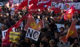 الآلاف في إسبانيا يتظاهرون لمُطالبة الحكومة باحترام تعهداتها بشأن استقبال اللاجئين