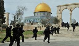 مستوطنون يقتحمون الأقصى برفقة عناصر مخابرات الاحتلال