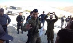 الاحتلال يُخطر أهالي الخان الأحمر بهدم منازلهم بأيديهم