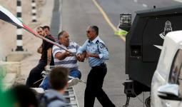 قوات الاحتلال تقمع مسيرة على مدخل الخان الأحمر.. وقرار الهدم قائم