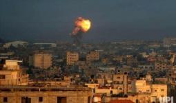 من الغارات الجويّة التي شنّها طيران الاحتلال على قطاع غزة صباح اليوم