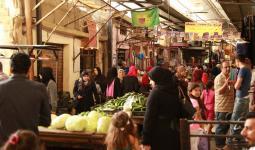 سوق مخيم عين الحلوة للاجئين الفلسطينيين