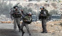 قوات الاحتلال تقتحم مُخيّم العروب وتحتجز مركبات