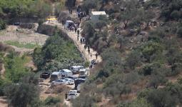 الاحتلال يُواصل البحث عن مُنفذي عمليّة العين قرب مستوطنة
