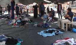 سوق البالة في مخيم النصيرات