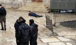 إصابة ثلاثة عناصر من شرطة الاحتلال في عملية طعن بالقدس المحتلة واستشهاد المنفذ