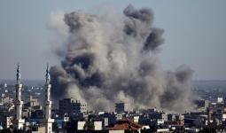 طيران الاحتلال يستهدف موقع للمقاومة في غزة