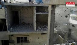 ارتقاء طفلة و4 إصابات جراء القصف في مخيم خان الشيح والحصار مستمر