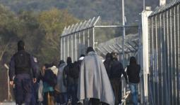 صورة أرشيفية للاجئين في اليونان
