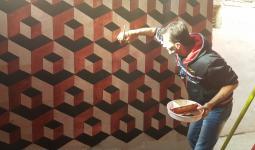 الرسم على الجدران...مكان للفرح في مخيم عين الحلوة (الرسام ثائر زعطوط)