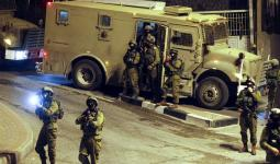 اقتحامات وإغلاق مداخل قرى في الضفة المحتلة واعتقال فلسطيني من قطاع غزة