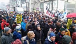 تظاهرة في فيينا ضد الحكومة وبرنامجها المُعادي للأجانب واللاجئين