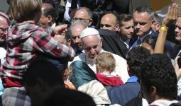 بابا الفاتيكان يدعو إلى بذل أقصى الجهود في سبيل حماية اللاجئين