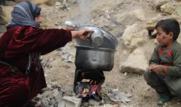 غلاء أسعار البضائع في مناطق جنوب دمشق ومخيم النيرب في حلب يُضاعف معاناة الفلسطينيين