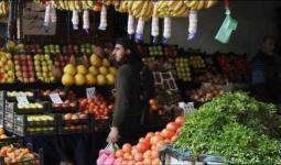 أصحاب المحلات في مخيّم اليرموك يشتكون من نصب واحتيال عناصر