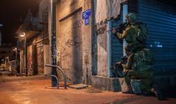 قوات الاحتلال تشن حملة اعتقالات في الضفة المحتلة تطال مخيمي بلاطة وعايدة