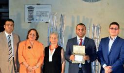 شاعر فلسطيني يفوز بجائزة شعر عالميّة في إيطاليا