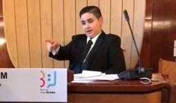فلسطيني من مخيّم الرشيدية يترأس بلدية أوغوس الدنماركية عن الناشئين والشباب