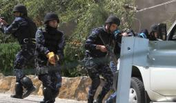 أجهزة أمن السلطة تنفذ حملة مداهمات واعتقالات بمخيم جنين