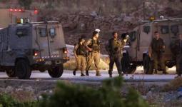 اعتقالات ونصب حواجز ومُصادرة أسلحة في الضفة المحتلة