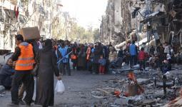 أوضاع معيشية صعبة يعيشها أبناء مخيم اليرموك مع توقف دخول المساعدات واقتراب فصل الشتاء