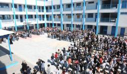 دائرة اللاجئين توزّع مكافآت ماليّة على الطلبة المتفوّقين في مدارس