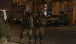 اعتقالات ومصادرة أموال خلال اقتحامات في الضفة المحتلة