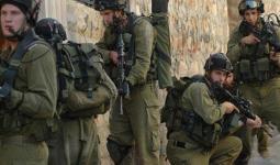 اعتقالات ومُحاصرة منزل في مخيّم جنين