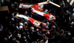 آلاف الفلسطينيين يُشيّعون جثامين الأطفال الشهداء الثلاثة في قطاع غزة