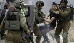 اقتحامات بالضفة المحتلّة واعتقال مُحافظ القدس وطالبة مدرسة