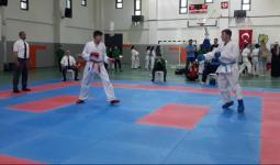 توّج زين بالبطولة في صالة المركز الرياضي في كياشهير