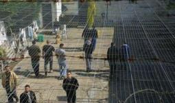 (6) أسرى إداريين يُواصلون إضرابهم.. وهيئة الأسرى تُحذّر