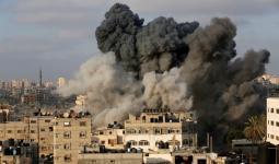 طيران الاحتلال يشن غارات في مناطق متفرقة بقطاع غزة