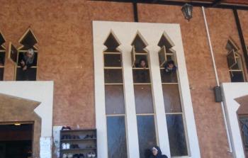 نازحون من مخيم عين الحلوة الى جامع الموصللي