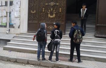 طلاب في مخيم اليرموك (أرشيفية)
