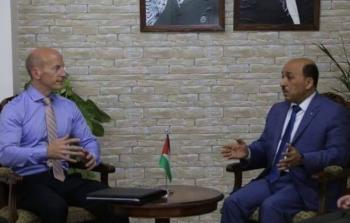 وزير الأشغال ونائب مدير عمليات