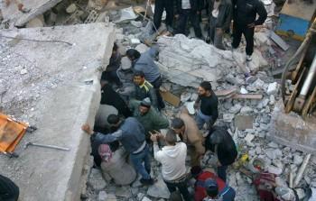 صورة أرشيفية من قصف سابق على مخيم درعا