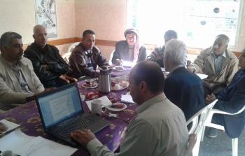 اللجنة الشعبية في مخيّم النصيرات تُناقش واقع التعليم في مدارس